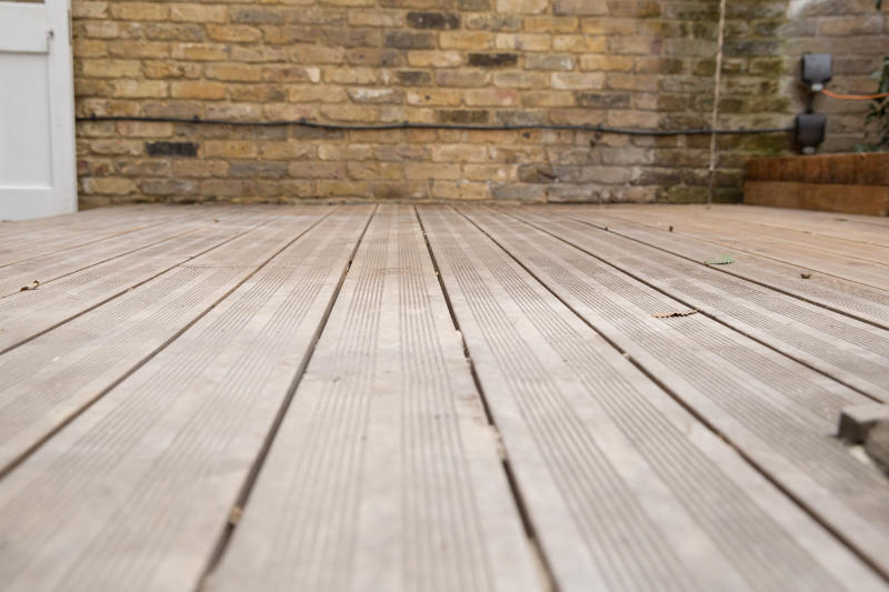 decking before jet washing clapham sw4
