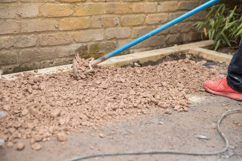 filling lawn area with aggregates in clapham sw4