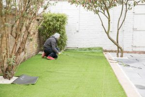 fitting astro turf in clapham sw4