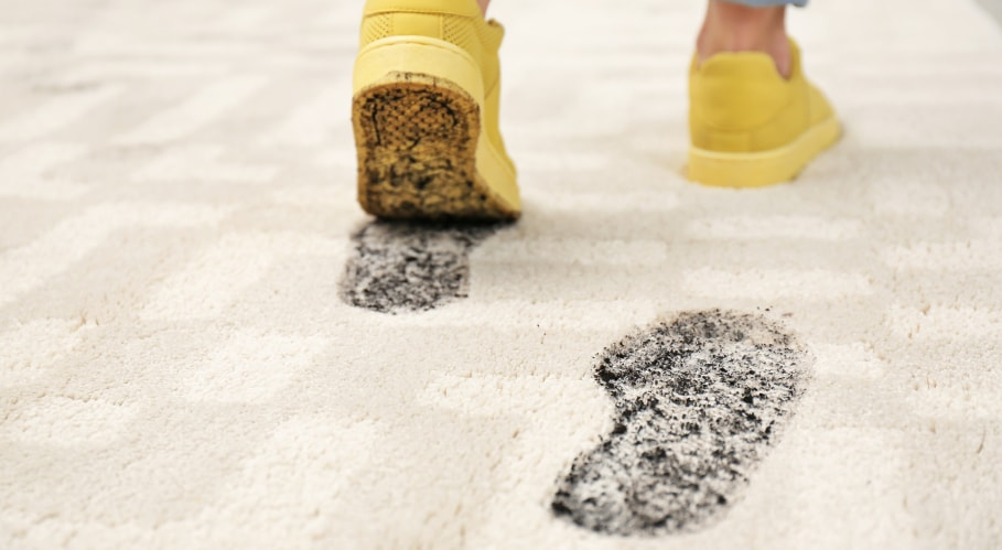 Getting mud out of your textile floor covering