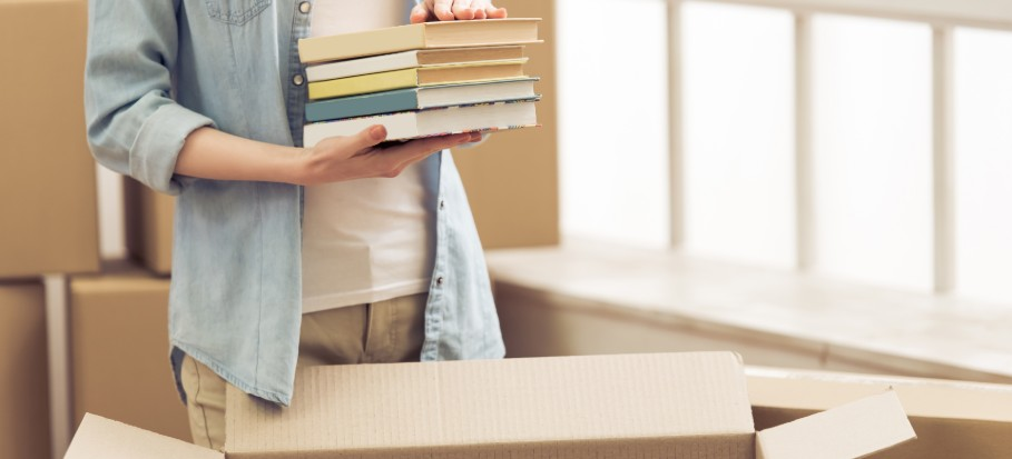 how to pack books when moving house