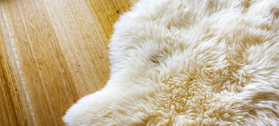 How to clean and wash a sheepskin rug