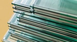 how to clean laminated windows