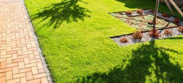 Permeable paved area in front garden